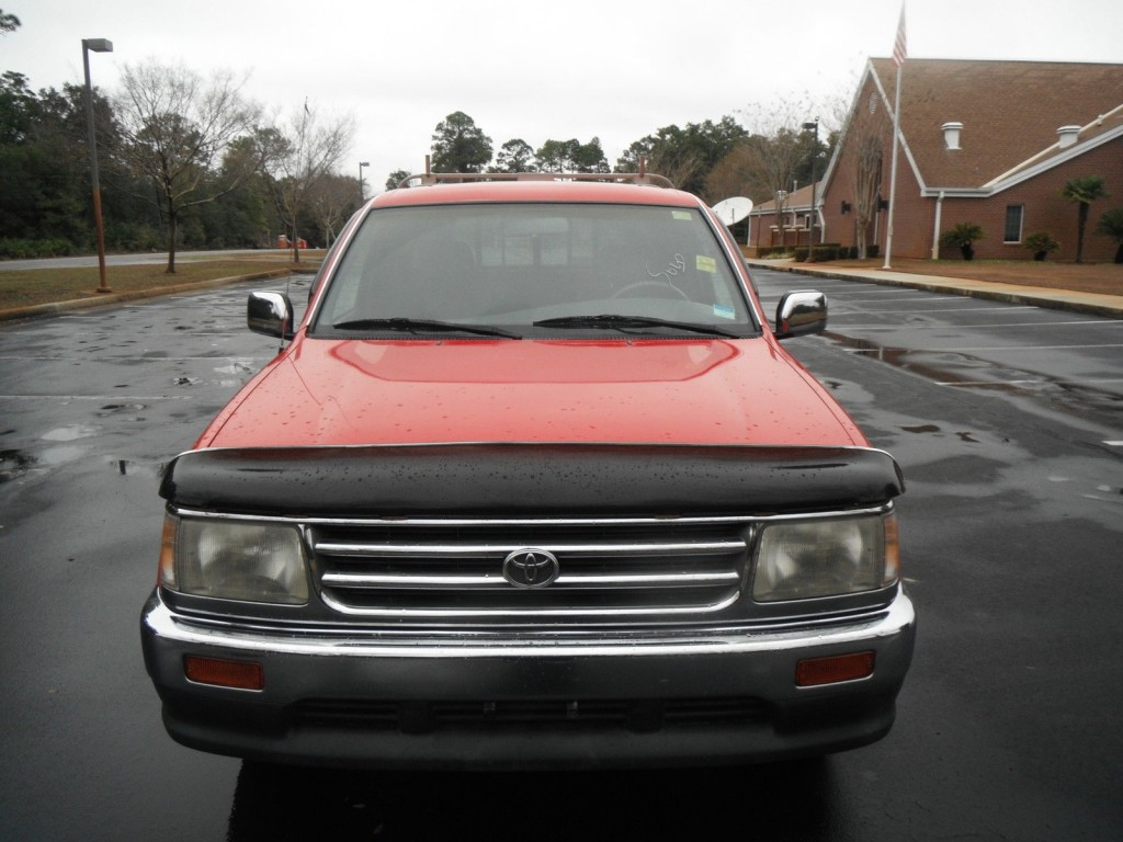 1997 Toyota T100 Base Extended Cab Pickup 2 Door 2.7L