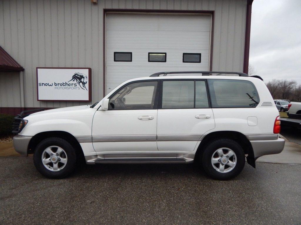 Very clean 2000 Toyota Land Cruiser